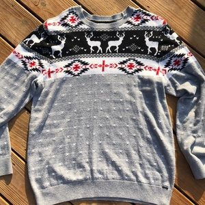 ON THE BYAS reindeer sweater